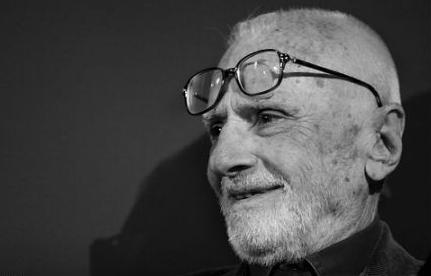 Muore suicida a 95 anni il regista Mario Monicelli, autore di film che hanno fatto la storia del cinema italiano...