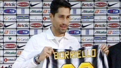 La Juventus ha presentato il nuovo acquisto Marco Borriello