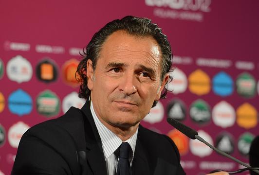 Cesare Prandellinon ha dubbi: in finale l'Italia ha di fronte l'ostacolo più difficile, la Spagna Campione del Mondo e d'Europa in carica