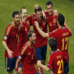 La Spagna ha vinto il campionato europeo battendo in finale l'Italia per 4-0. Azzurri che hanno sbagliato l'approccio alla gara