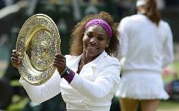 E' Serena Williams la regina di Wimbledon:l'americanaha superato in tre set con lo score di 6-1 5-7 6-2 la polacca Agnieszka Radwanska