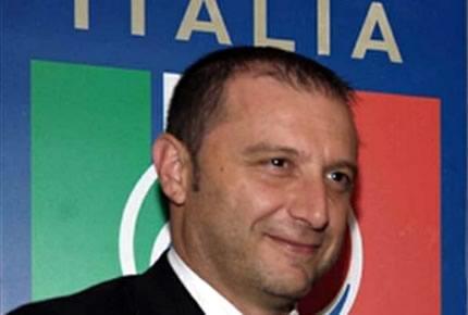 L'Italia U21 si qualifica alla fase finale in Israele grazie al 3-2 di Kalmar. Le reti: Insigne-Florenzi, poi il par con Ishak e Hiljemark, all'87' il sigillo di Immobile