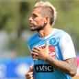 Valon Behrami è subito diventato un beniamino dei tifosi del Napoli. Il giocatore svizzero di origine kosovara grazie alla sua grinta e al suo dinamismo ha fatto subito dimenticare un ex idolo come Gargano