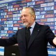 I tifosi del Napoli nelle strade e nei bar sono molto delusi dalla campagna acquisti azzurra. La squadra non sembra poter competere nè per lo scudetto nè per il terzo posto utile alla Champions League